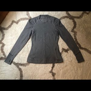 Lululemon pull over - great condition!